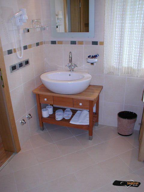 Servizi alto adige per tutti - Spostare lavabo bagno ...